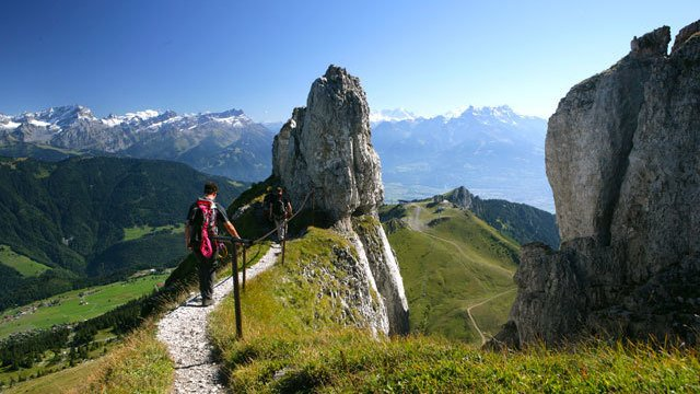 Hiking in the Tour d'Aï