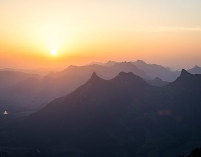 Lever de soleil au sommet
